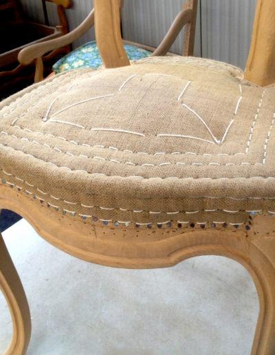 Garniture piquée d'une assise